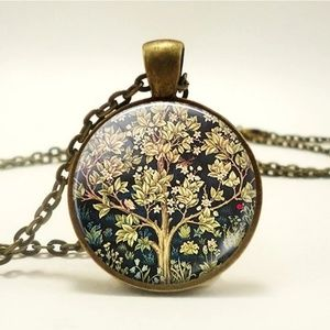 Jewelry - Flash Sale!Tree of life by William Morris necklace